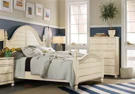 Image Boat Nautical Style Bedroom Thearbitrator Whats Your Shore Style Nautical Tropical Or Coastal Baers