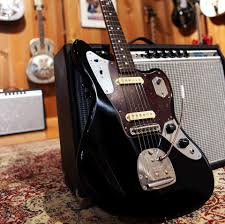 is this the new johnny marr signature fender jaguar in black is this the new johnny marr signature fender jaguar in black tort very