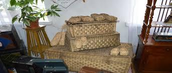 отчет по музейной практике Не менее интересны представленные в музее орудия сельскохозяйственного труда и предметы ткачества берестяное лукошко для зерна цеп для молотьбы