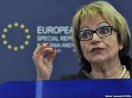 Deputetja e Parlamentit Evropian, Doris Pack, ka thënë se qeveria e ardhshme ... - u2_pakqev