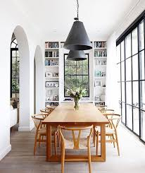 Such a beautiful, bright and airy dining room. Via My Domaine ...