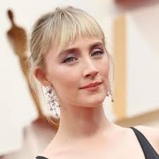 Saoirse Ronan (fan account) 💐 sur Instagram : i wish to see more pictures  of her with bangs 😩#saoirseronan in 2020