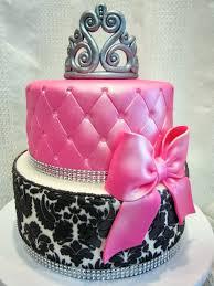 MyMoniCakes: Black Damask Pattern Cake with Gumpaste Tiara
