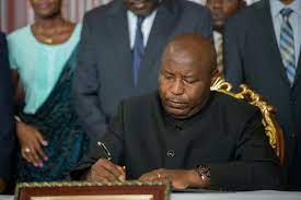 Président de la république), is the head of state and head of government of the republic of burundi. Nkurunziza Left A Troubling Legacy Burundi S New Leader Has Much To Mend