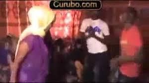 Wiil soomaali ah oo gabar xooga iyo muuqaal wasmo gabar yar. Download Siil Macaan Mp4 Mp3