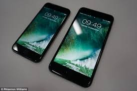 iphone 7 plus jet black front. the iphone 7 (left) and plus running apple\u0027s new ios software iphone jet black front