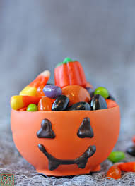 halloween candy bowl ideas. Modren Candy Edible Pumpkin Candy Chocolate Cups For Halloween On Bowl Ideas T