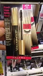 the s kim kardashian s makeup artist swears by