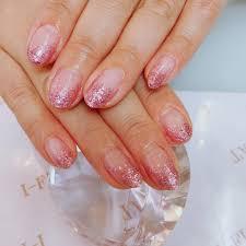 ピンクラメグラ ネイルやマツエクが人気の北名古屋市の美容院i Flat