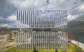 office facade. Novartis Office Building 335 | East Hanover, New Jersey Weiss/Manfredi Photo Image © Paul Warchol Facade