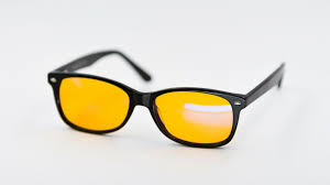 best blue light blocking glasses to protect your precious eyes