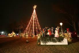 Falmouth Ma Christmas Tree Lighting Christmas In Falmouth Ma Christmas Holiday Table Decorations