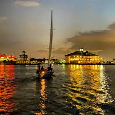 A boat club membership with organizations like freedom boat club or carefree boat club allows you to try. West End Lighthouse And Southern Yacht Club New Orleans La Sailing