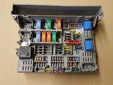 bmw fuses fuse boxes bmw 1 3 series e87 e90 e91 power distribution fuse box front 6906613