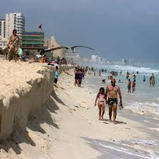 Americans Are Flocking to Mexico ...