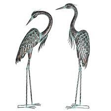 kircust garden crane statues