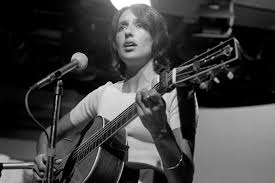 14 Joan Baez songs that prove she's the OG folk rocker
