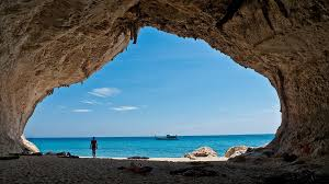 Картинки по запросу сардиния туристы