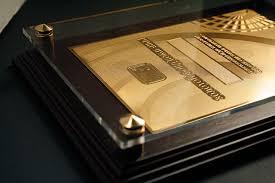Наградные дипломы на металле kingcard Металлический диплом покрытый золотом 24 карат с акриловым защитным стеклом