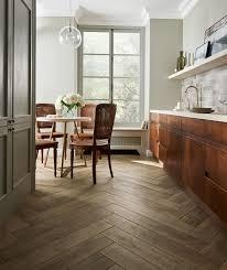 mora oak tile