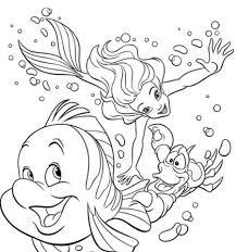 Disegno Di Ariel Sebastian E Flounder Nuotano Assieme Da Colorare