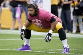 pittsburgh steelers linebacker defensive end cameron heyward warms up before the game against the jacksonville jaguars
