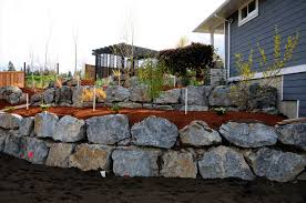 boulder retaining wall phoenix quarry ridge kelowna