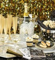 New Year's Eve Party Table new years party gold champagne party ideas serve new  years eve new years eve party