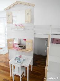 Unser halbhohes hochbett ist das perfekte hochbett für kleinere kinder und niedrige räume. Hochbett Diy