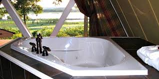 jetted tub suite at the goldmoor inn galena illinois