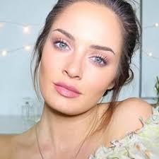chloe morello on insram new video a soft english rose makeup look chloemorello