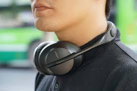 Tại sao tai nghe chống ồn không 'chống ồn' khi gọi điện thoại ?