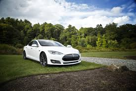 how apple tesla and disney provide excellent customer service their excellent customer service got tesla through the turbulent early days