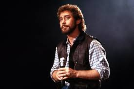 Country Singer Earl Thomas Conley Dead at 77 - Rolling Stone