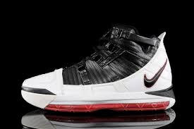 lebron shoes soldier 12. the strap look of ii went slimmer and more frequent in iii. designed lebron shoes soldier 12