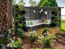 attractive outdoor privacy screen and pergola ideas 37