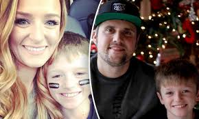mom s maci bookout accuses ex ryan edwards of threatening her threatening to take their son