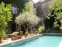 proche de pézenas maison de ville impeccable vendre avec g te et piscine hérault