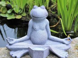 yoga frog garden ornament decor solar