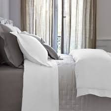 triomphe sateen duvet cover white super king