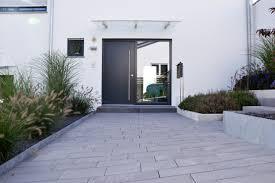 Heim Galabau Moderne Gartengestaltung Am Hang Gartengestaltung Hanglage Modern