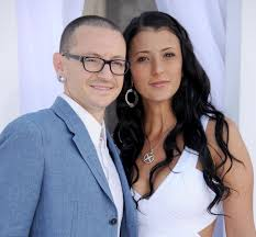 <b>Chester Bennington's</b> widow engaged two years after his suicide ...