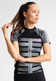 Sports clothing nick women