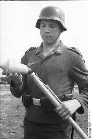 Image result for ww2 german panzerfaust klein