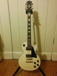epiphone les paul custom pro guitar in arctic white