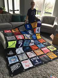 Thinking of Making a T-Shirt Quilt for a Graduate? Start Now ... & Any T-shirts that did not fit on the front could be added to the back of  the T-Shirt quilt. Adamdwight.com