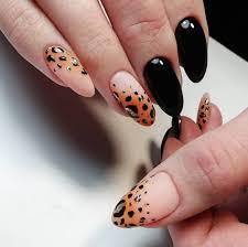 Маникюр 2022 — модные цвета и дизайн ногтей