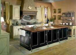 Old Fashioned Kitchen Design Awesome Classic Vintage Kitchen Design With Beautiful Black And