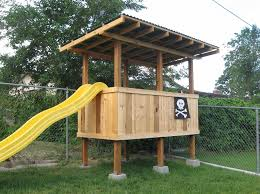 picture of backyard fort