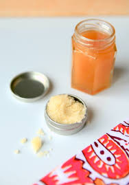 healing honey lip scrub recipe with manuka honey